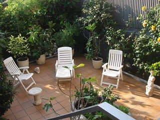 Casa  entera p.b , gran patio/solarium, con total intimidad , al lado playa, Malgrat de Mar