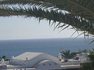 *LARGE, COSY* 1 bed apartment KITCHEN, BEDROOM, BATHROOM, BALCONY, SEA VIEW!!!, Puerto Del Carmen