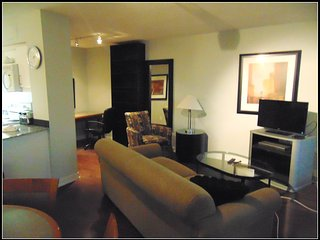 Fully Furnished Executive 1BR + Den in Upscale Yonge and Sheppard Area, Toronto