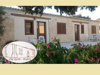 Casa Pirato -App. Estate - In villa del '700 tra mare e barocco, Módica