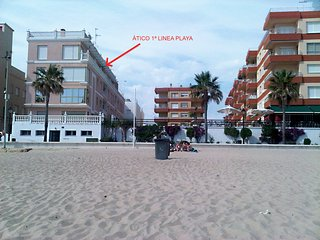 ATICO 1ª LINEA PLAYA CON GARAGE PRIVADO