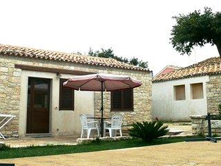 Casa Pirato -App. Estate - In villa del '700 tra mare e barocco