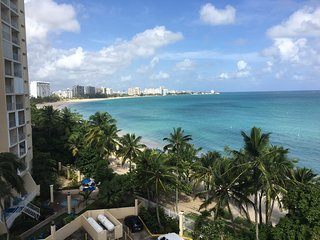 Ocean Front big 1 bedroom Isla Verde with private parking
