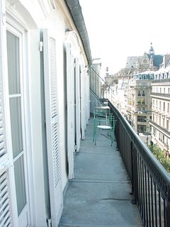 Long terrace for viewing the Parisian scene