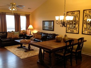 Stonebridge -- Sleeps 8! -- Close to Silver Dollar City, Branson