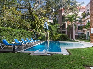3BR Penthouse - Sleep 10 - in The ♥ of Playa!!, Playa del Carmen