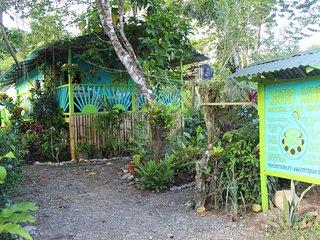 Centro Ashé Cabinas & Medicinal Plant Center, Manzanillo