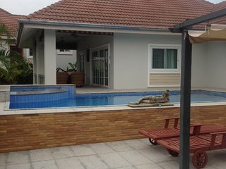 3 bedroom pool villa in quiet resort