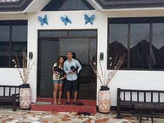 bungalow direct on the beach nearby whalesharks, Samboan