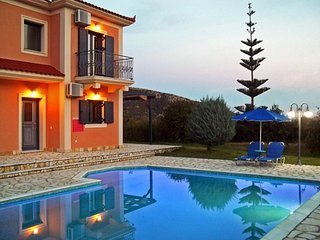 Villa Nyx, Outstanding Villa w/ Private Pool, easy access, close to amenities, Katelios