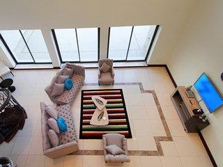 Lovely, Modern 5 Bedroom apartment in  Golden Mile 9, Dubái