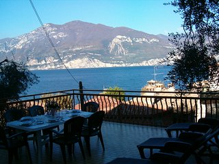 """""""FAMIGLIA CONSOLATI""""  90MQ   Lago di Garda, Castelletto"""