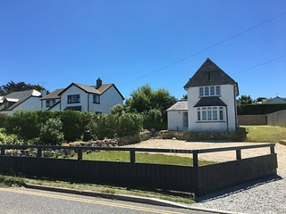Luxury coastal family home, sea views and parking, Sennen Cove