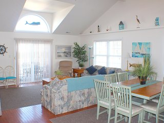 Huge 5BR/3BA Townhouse - 1 Blk to Boardwalk/Beach