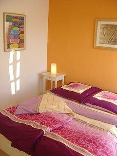 Schlafzimmer 'Naranja' mit Doppelbett 160 x 200 cm