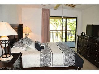 Lely 2.5BR/2BA Condo w/ Pool Near Downtown and Beach - Turn-Key