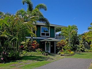 Hanalei - 3 houses to the beach, 3 blocks to town