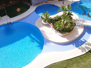 First Line beach-Best place boliches,swimmingpool., Fuengirola