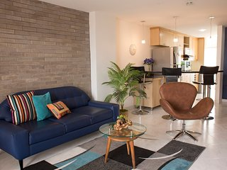 5 Star, Designer Chic and Comfy 2 Bed in Laureles!, Medellín