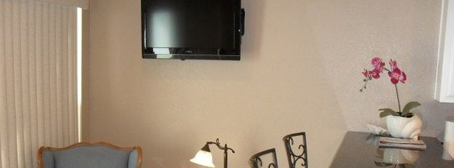 Screen,TV,Television,Bedroom,Indoors