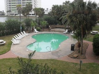 Beautiful Gulf View Condo Complex M150