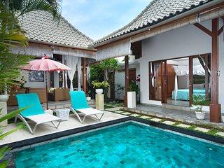 Luxury 3bd villa Cinta, 5 min to Seminyak, PROMO