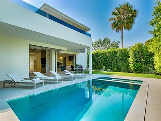 Modern 5 bedroom estate near Melrose Place in Los Angeles, West Hollywood