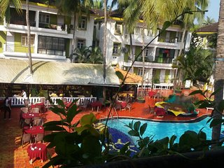 Poolside Serviced Apartment in Candolim