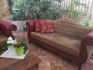 Parkside Cottage, 5 km from Fremantle CBD, AVAILABLE 8th-13th February, Melville
