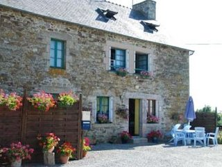 Maison de l'étang - House with 3 rooms in Jugon-les-Lacs, with enclosed garden and WiFi