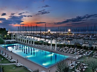 RBB16 2 Bdr Marina Centre and Beach, Lignano Sabbiadoro