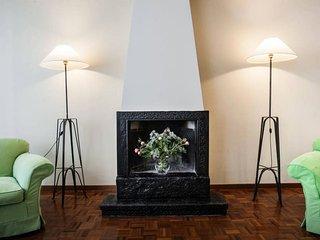 Roomy Luxury Flat - Fashion District - Montanapoleone Area, Milan