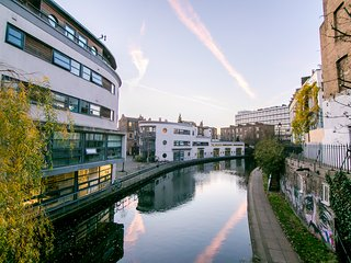 Newly refurbished duplex 1 bedroom in Regent's Canalside