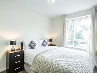Double room with shared bathroom in Wembley Park