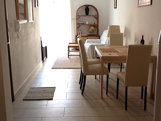 2 bedroom apartment, 3 mins away from the sea, St. Paul Bay