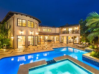 5 bedroom Estate in Brentwood Park neighborhood of Los Angeles