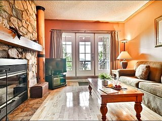 Walk to Village Shops and Restaurants - Panoramic View of Lake Tremblant (6078), Mont Tremblant