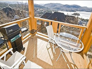 4BR Ski In/Out, Private Hot Tub, Free Shuttle / 215495