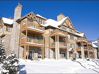1BR Ski In/Out, 4 season hot tubs, Free Shuttle / 215502