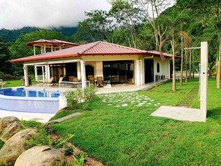'Casa de la Roca' - 3BR Ojochal de Osa House
