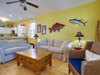 Poolside home w/ shared hot tub & more - beach access 1 mile away!, Port Saint Joe