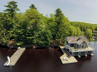 Executive Muskoka waterfront, Port Carling
