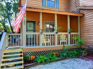 Fantastic Tybee Beach rental just minutes from beach! Newly Renovated!!, Isla de Tybee