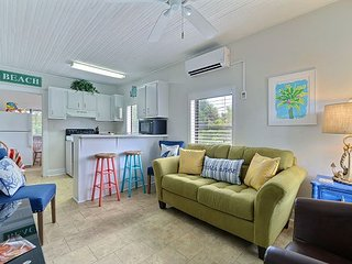 Cozy, Nostalgic Beach House on North End of Tybee!! 50 ft. to the beach.