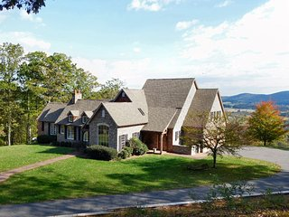 Vista Magnifique, a private 50 acre mountain-top estate in wine country, Hume