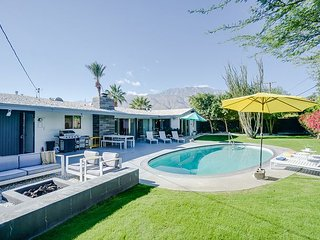 Stylish 2BR, 3BA Palm Springs Home with Pool and Fire Pit, Near Downtown