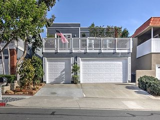 2BR, 2BA Lantern District House Near Beach – Walk to Dana Point