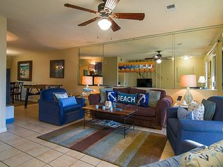 2BR, 2.5BA Miramar Beach Condo w/Pool and Private Beach Access