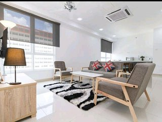 2 Bedrooms Suite (Cozy) * Mansion One, George Town