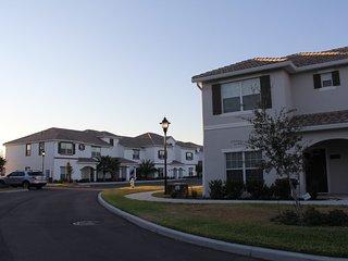3130 Storey Lake 4 Bedrooms near Disney in Orlando FL